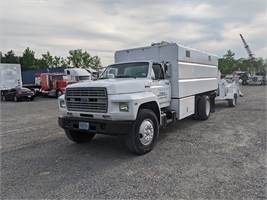 1988 Ford F-700 and Bandit 250