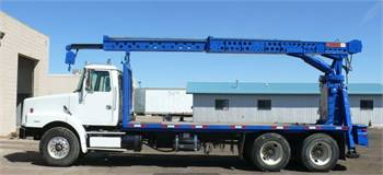 2001 VOLVO T/A WITH FLAT DECK AND USTC 150-26 TC BOOM