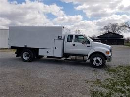 2010 Ford F750 Extended Cab