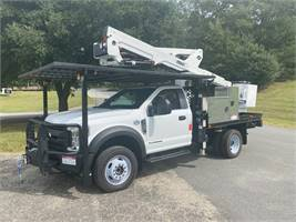 2019 Ford 550 4×4 With Versalift Model SST40